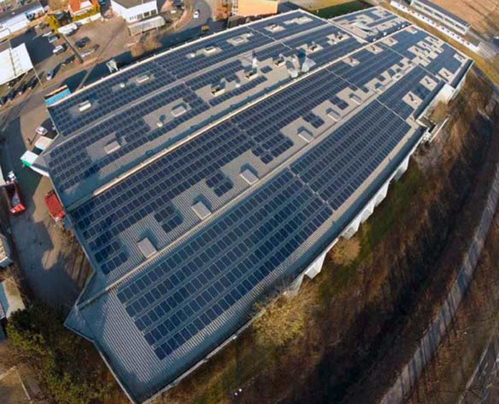 Photovoltaik-Anlage auf dem Dach der Ostegruppe